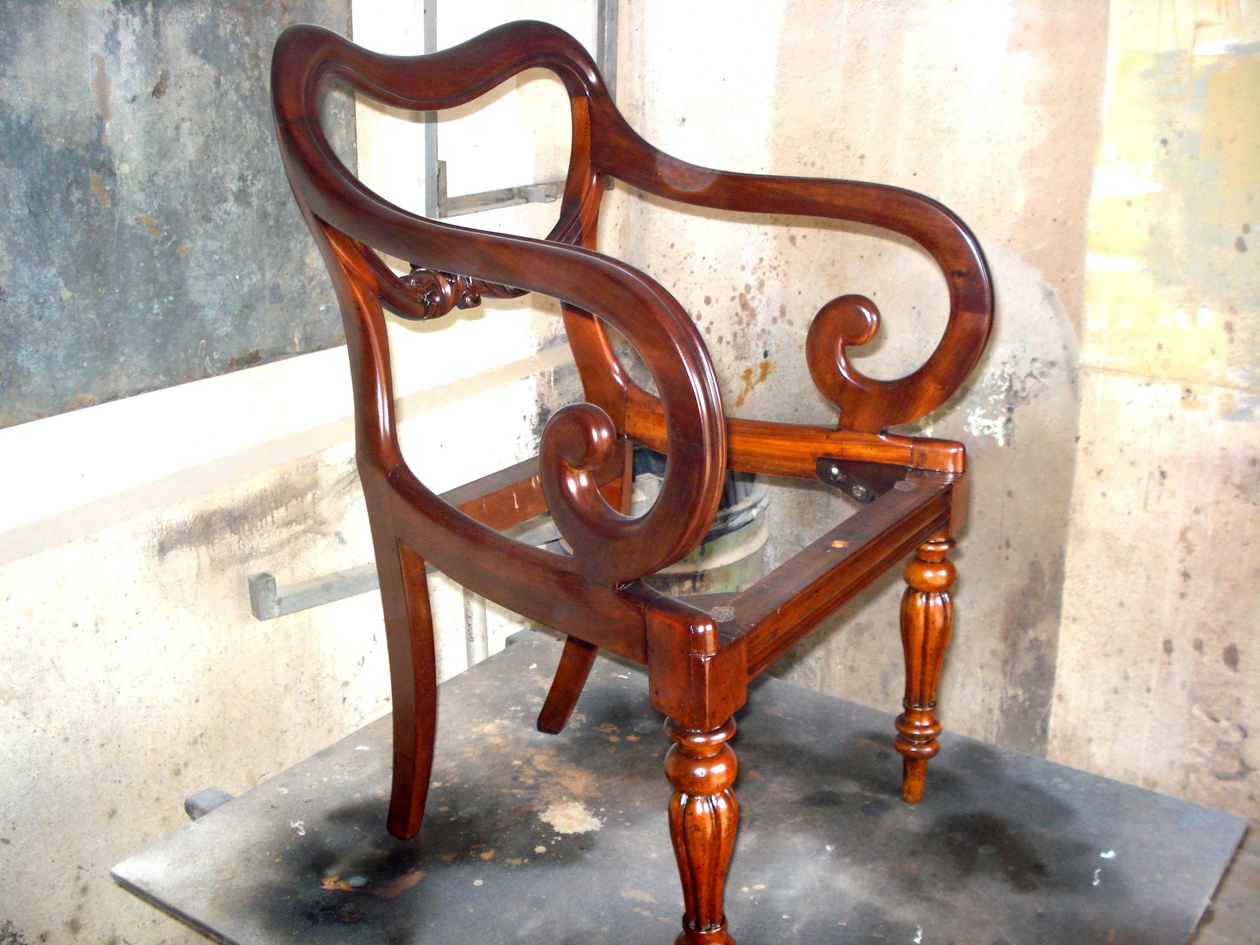 27 chaise escabeau ikea stunning rgrund reprise de for Chaise escabeau